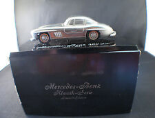 Danhausen Mercedes Benz 300 SL 1954-1957 10,5 cm en métal sur socle 1/43 RARE