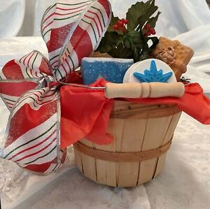 A Peck of Christmas Soap Gift Baslet