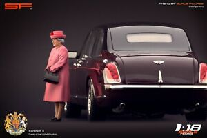 1:18 Queen Elizabeth 2 pink  VERY RARE!!! figurine NO CARS !! by Scale Figures