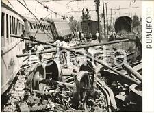 1955 ca PAESTUM Deragliamento treno FRECCIA DEL SUD - Soccorritori al lavoro