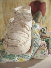 "Just The Right Shoe ~ Accessories ~ Baby Quilt ~ Music Box ""Twinkle Twinkle"""