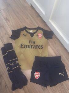boys arsenal Football kit Size 3/4