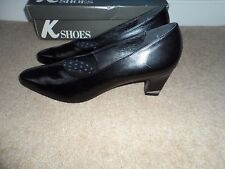 K @ CLARKS BRAND NEW LADIES BLACK COURT SHOES SIZE 5.5 AA