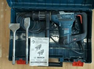 """Bosch RH540M 1-9/16"""" SDS MAX Rotary Hammer Drill w 2 Scaling Chisels in case"""