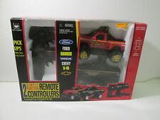 New Bright Remote Control Pick Ups Ford Vs Chevy 1:24 Scale t4269