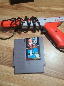 Nintendo 1985 NES Zapper Gun with Duck Hunt Game