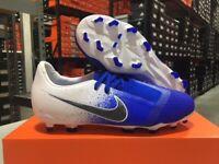 Nike Junior Phantom Venom Elite FG Soccer Cleats (White/Blue) Size: 4-6Y NEW!