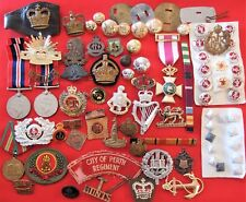 MIXED LOT OF BADGES, MEDALS & PATCHES WW1 WW2 & MODERN ARMY NAVY AIR FORCE