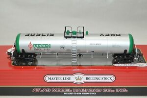 HO scale Atlas PEMEX Petroleum Mexico GATX 20,700 gallon tank car train 5151