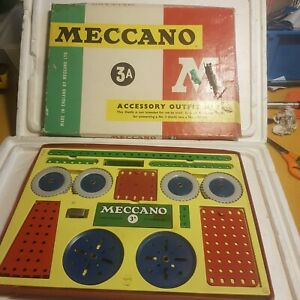 Vintage 60s Meccano 3A accessory outfit kit.