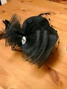 FASCINATOR, BLACK