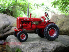 Farmall A die-cast model tractor ERTL 1-16 (L)