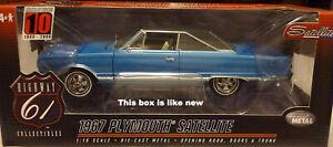 1:18 Highway 61 Blue 1967 Plymouth Satellite W/Black Vinyl Top