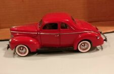 Danbury Mint 1:24 1940 Ford Deluxe Coupe Red
