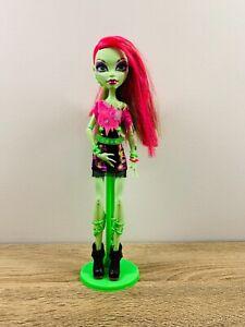 Monster High Doll Venus McFlytrap Green Pink Music Festival Figure w/ Stand