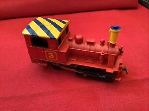 VINTAGE PLAYART 0-4-0 Locomotive HO Metal RED with YELLOW TOP Train H-602 A+cond