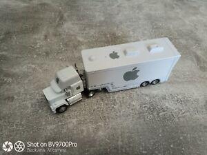 DISNEY PIXAR CARS Apple Hauler Truck  aus Metall