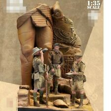 1/35 Resin Model figure Soldier DESERT RATS WW2 Three people including base