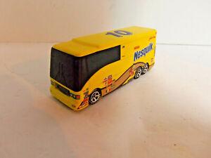 Hot Wheels NASCAR Racing Luxury Rides Nesquik Scott Riggs Motor Home Bus 1:50
