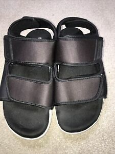adidas adilette sandals Size 6