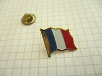 FLAG FRENCH FRANCE VINTAGE LAPEL PIN BADGE us4