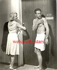 Vintage Paul Newman BEEFCAKE IN A TOWEL SEXY 60s CU Portrait