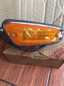 TOYOTA CORONA RT60 MARK II Side Marker Light RH Lamp Genuine NOS JAPAN.