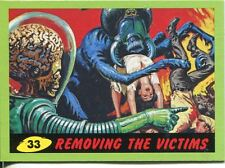 Mars Attacks Heritage Green Parallel Base Card #33    Removing the Victims