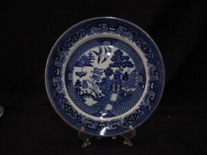 Buffalo Pottery Willow Blue Luncheon Plate