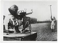 Zielübungen englischer Flieger. Orig-Pressephoto um 1940