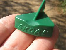 SKOAL GREEN PLASTIC SNUFF LID OPENER FOR KEY CHAIN