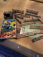 miscellaneous lot Of Vintage Soldiers Cowboys Indians Toy Figures