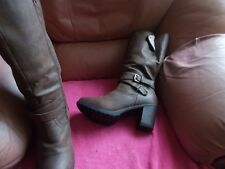 NEW  LOOK  KNEE  HIGH  BOOTS   -   SIZE  8  (WIDE  FIT)