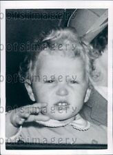 1952 Adorable Baby Princess Anne of England Waves Goodbye Press Photo