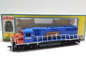 HO Scale - Atlas - Custom DT&I GP-38 Diesel Locomotive Train #5863