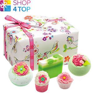 Three Little Birds Gift Box Bomb Cosmetics Apple Bergamot Natural New