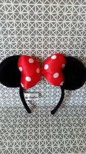 Serre-tête oreilles peluche Minnie Disneyland Paris comme neuf