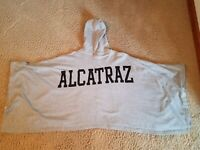 San Francisco California Alcatraz Poncho Gray one size, Button on the sides EUC