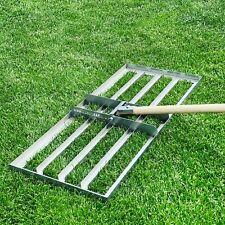 Rasenrakel (Levelingrake) in Edelstahl - Topdressing aufbringen und Rasen ebnen