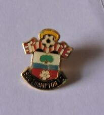 SOUTHAMPTON F.C. - ENAMEL PIN BADGE