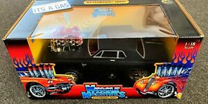 1/18 Muscle Machines 1963 Plymouth Savoy Gasser Drag Car Dragster Supercar