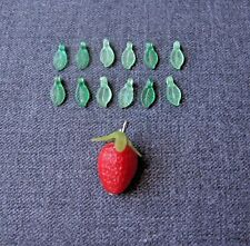VINTAGE PLASTIC STRAWBERRY & 12 MINIATURE LEAVES PENDANTS FOR JEW99ELRY .