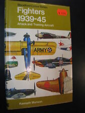 Fighters 1939-45 Attack and Training Aircraft, Kenneth Munson (English)