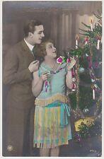 Fröhliche Weihnachten, Liebespaar am Weihnachtsbaum, Postkarte