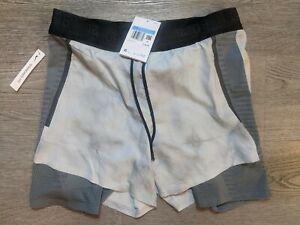 Nike Tech Pack 2-in-1 Running Shorts Platinum Grey NWT BV5687-094 Men's Size M
