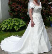 Brautkleid Tres`Chic Gr. 42 mit Unterrock, Reifen und Schleier