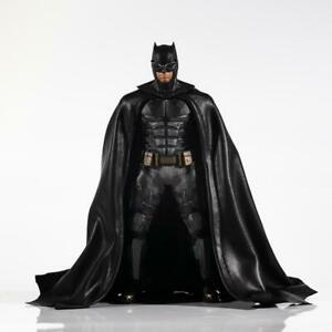 1/12 scale Black Wired Cape for Mezco One:12 Batman (No figure)