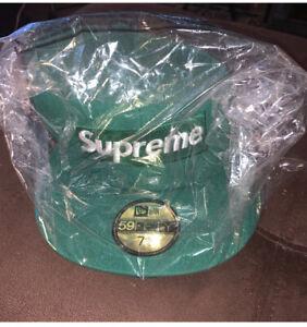 SUPREME No Comp Box Logo New Era Fitted Hat 7 5/8
