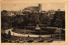 CPA Reims-Vue Générale, au premier plan le Jardin Colbert (346971)