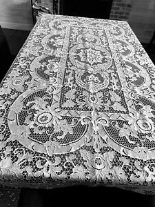 VINTAGE WHITE POINT DE VENISE LACE TABLECLOTH  FROM ITALY